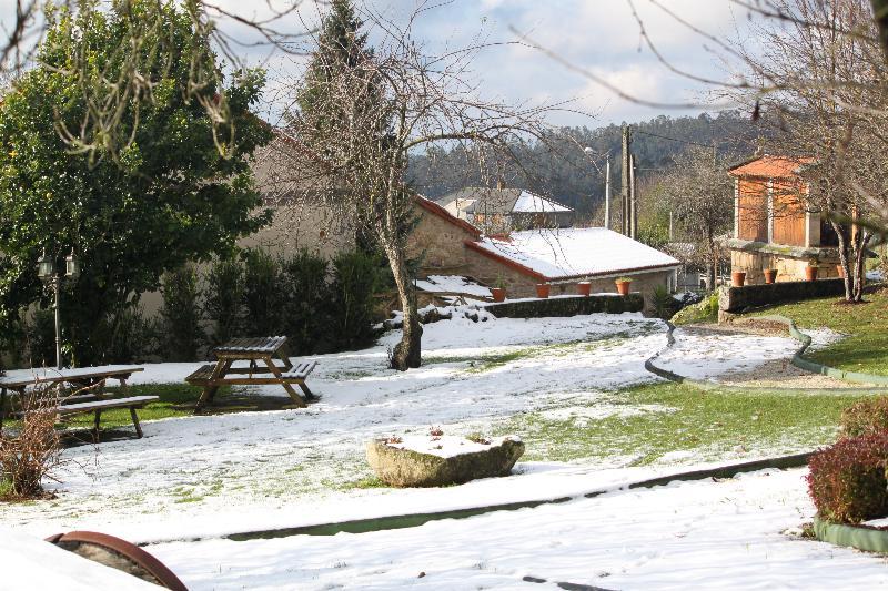 Exteriores-jardín-nevado
